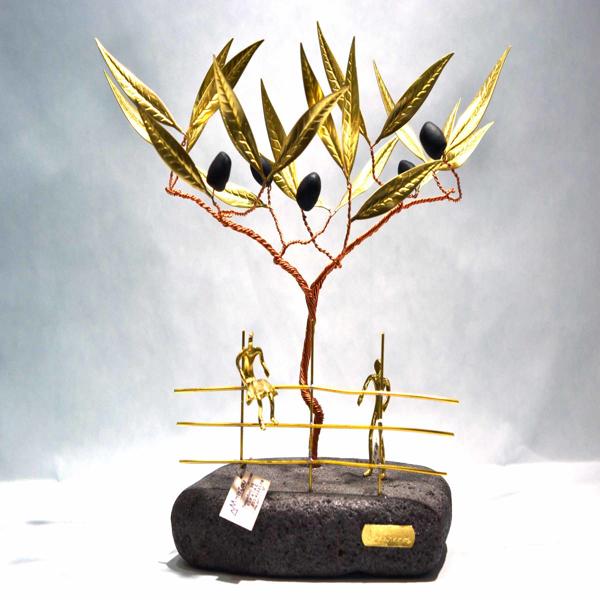Εικόνα της TREE WITH COUPLE